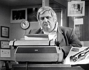 Veteran newsman and Pulitzer Prize-winning investigative reporter Bob Greene at work